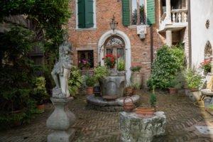 Villa_Mussato_cortile_pozzo